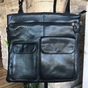 Hobo International black crossbody purse pocket